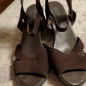 Brown suede sandels